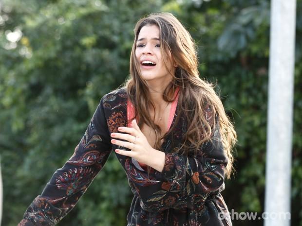 Bruna Marquezine encarnou uma Luiza desesperada em cena (Foto: Inácio Moraes/TV Globo)