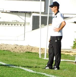 Janduir Lira, técnico Porto-PE (Foto: André Ráguine / GloboEsporte.com)