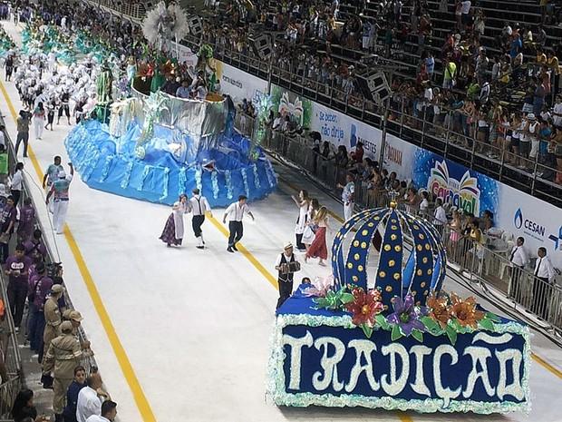 Desfile da Tradição Serrana no Sambão do Povo (Foto: Bruno Faustino/ G1 ES)