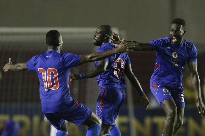 comemoração, Haiti x Trinidad e Tobago (Foto: AP Photo / Arnulfo Franco)