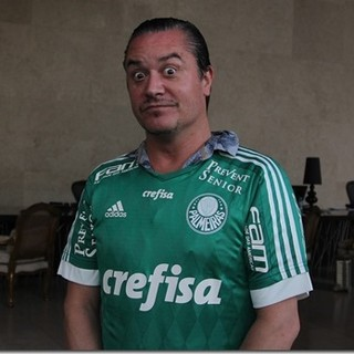 Mike Patton, do Faith No More, com camisa do Palmeiras (Foto: Gabriel Barbosa/TV Palmeiras/FAM)