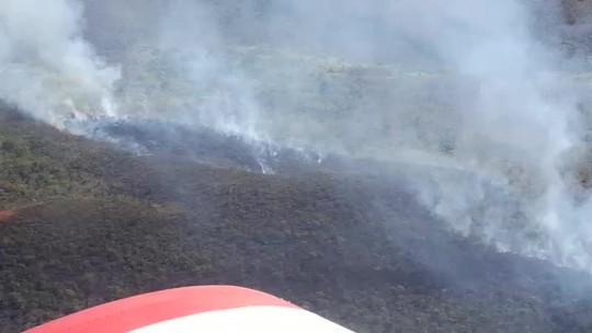 Incêndio ameaça atingir área do Parque Gruta da Lagoa Azul em MT