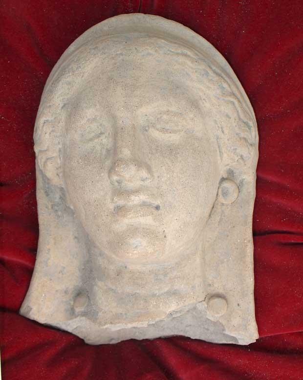 Peça pode ser da mãe do imperador Nero e foi roubada há cerca de 30 anos. (Foto: AFP)