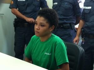 Suzana chegou a entrar na sala de audiência mas saiu alegando estar passando mal (Foto: Isabelle Saleme/TV Rio Sul)