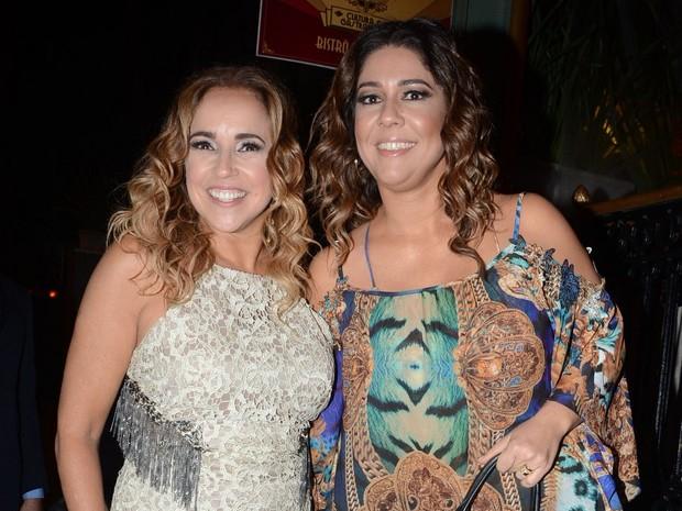 Daniela Mercury e a mulher, Malu Verçosa, em restaurante em São Paulo (Foto: Eduardo Martins/ Azzi Agency/ Divulgação)