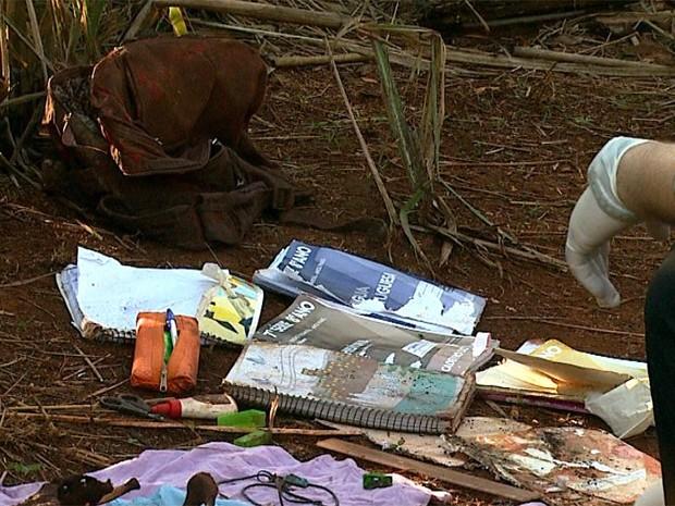 Mãe de criança desaparecida diz que objetos encontrados são da filha (Foto: Fábio Júnior/ EPTV)