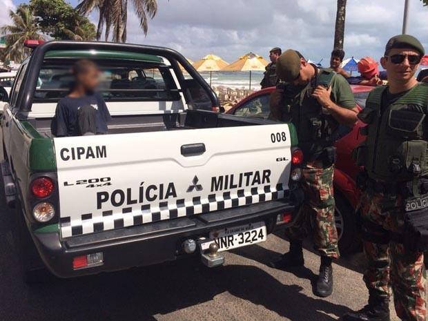 Adolescente foi preso em Ponta Negra, nesta terça-feira (28) (Foto: Matheus Magalhães/Inter TV Cabugi)
