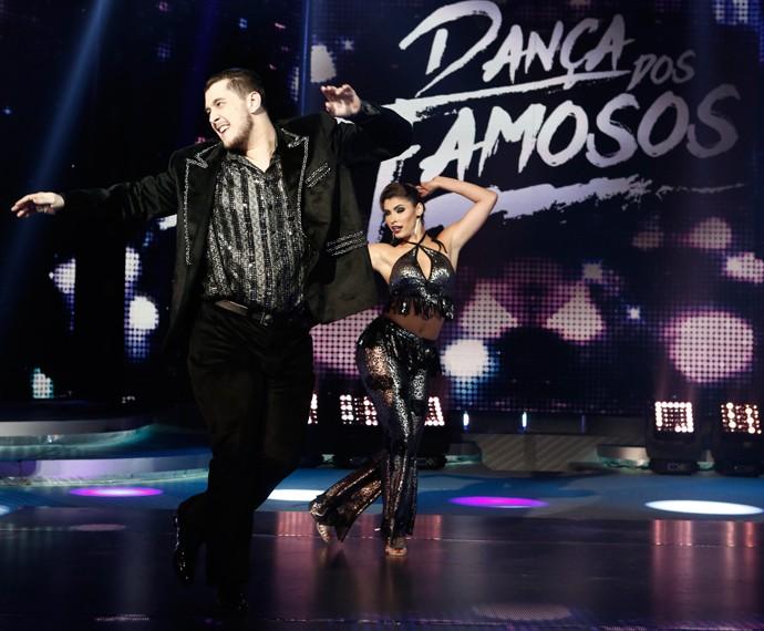 Bruno Boncini e Ana Paula Guedes brilham no palco do 'Domingão' (Foto: Inácio Maraes/Gshow)