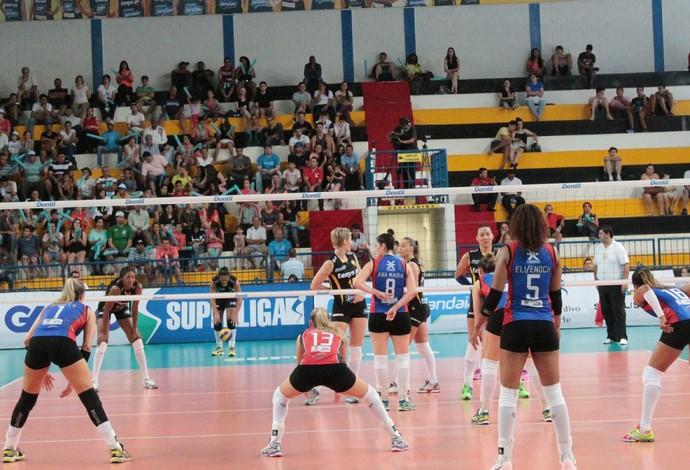 Praia Clube x Maranhão - Superliga Feminina 2014 (Foto: Gullit Castro)