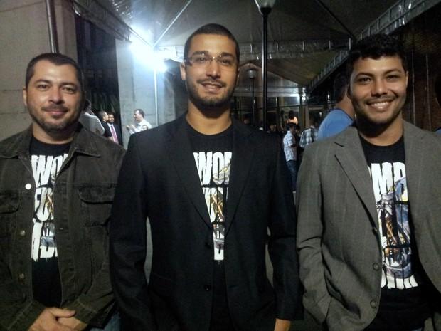 Oswaldo Carvalho, Felipe Lomeu e Magnum Cândido desenvolveram jogo de zumbis. (Foto: Geovana Chrystêllo/G1 ES)