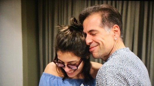 Leandro Hassum diz que 'A Cara do Pai' foi inspirada por situações com a filha Pietra