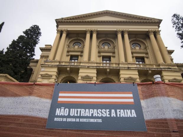 Fechado ao público desde agosto do ano passado, o Museu Paulista, mais conhecido como Museu do Ipiranga, deverá abrir as portas apenas em 2022 (Foto: Marcelo Brandt/G1)
