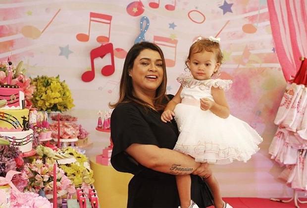 Preta Gil e a neta, Sol de Maria (Foto: Thyago Andrade/Brazil News)