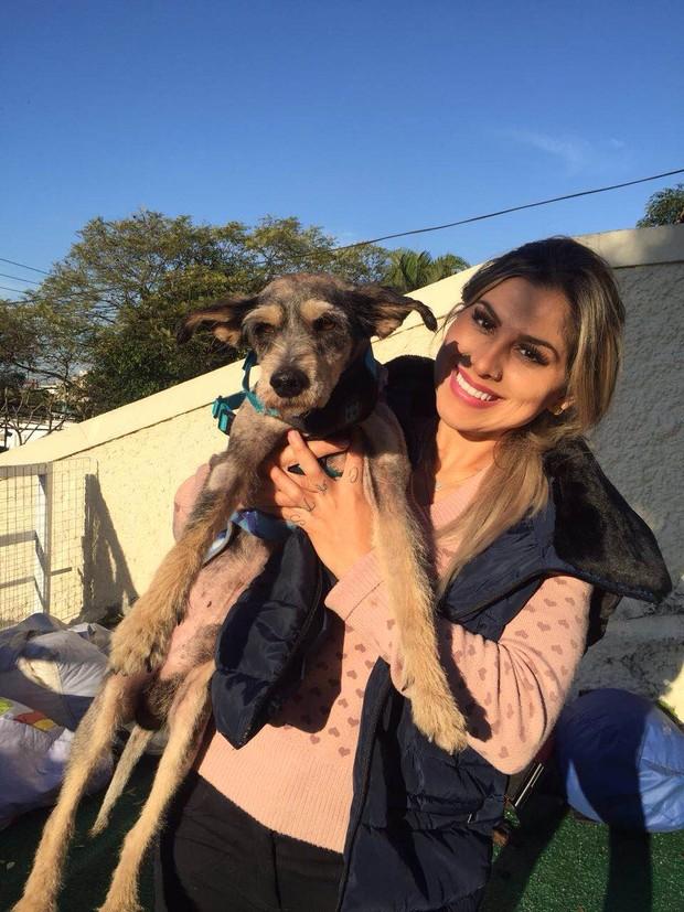 Vanessa Mesquita conta o apoio dos fãs para manter projeto de proteção animal (Foto: Divulgação / Adriana Barbosa)