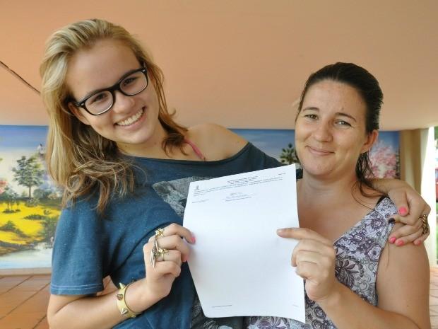 Garota de 14 anos consegue entrar na UFMS e espera ser aceita por colegas em Campo Grande MS (Foto: Fernando da Mata/G1 MS)