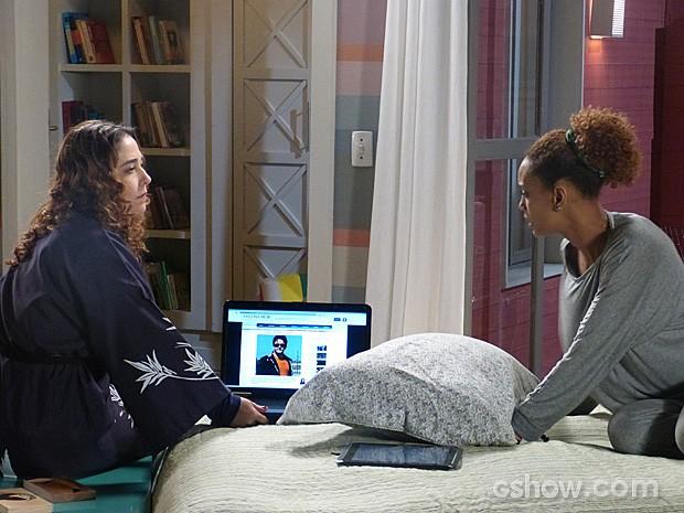 Edna acorda Verônica para mostrar a notícia no site (Foto: Geração Brasil / TV Globo)