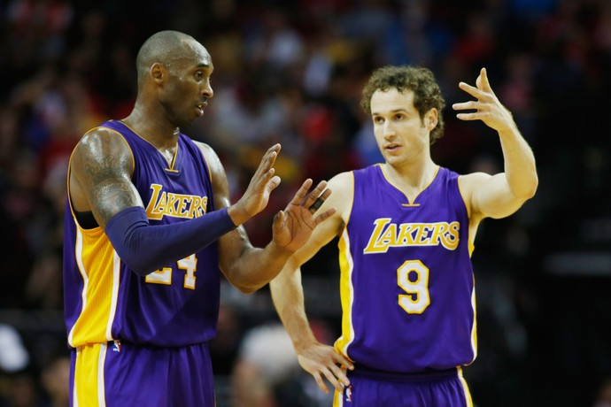 Kobe Bryant e Marcelinho Huertas NBA Lakers  (Foto: Getty Images)