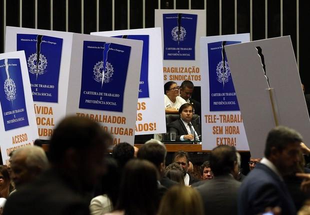 Sessão da Câmara para votar a reforma trabalhista (Foto: Antonio Cruz/ Agência Brasil)