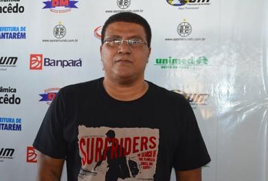 Técnico do São Raimundo, Samuel Cândido (Foto: Michael Douglas/ GloboEsporte.com)
