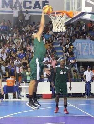 Basquete - Macaé x Fluminense (Foto: Marcello Pires)