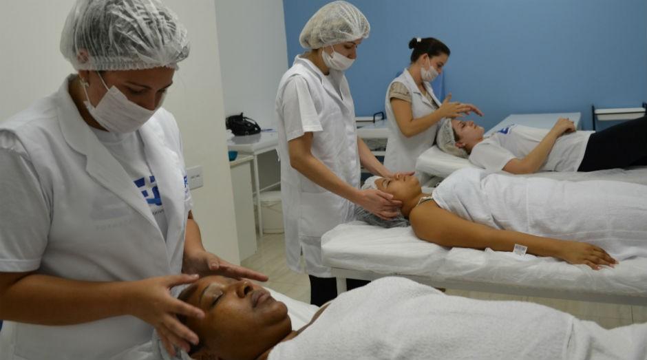 Escola de beleza oferece diversas opções de cursos especializantes.  (Foto: Divulgação)