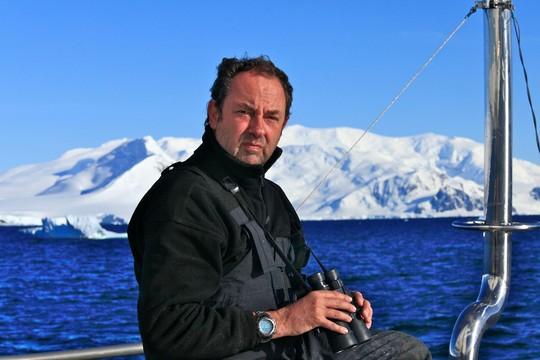 Amyr Klink posa em uma de suas expedições  (Foto: Reprodução)