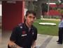 Com gringo e jovens, Atlético-PR viaja com 21 jogadores para Chapecó