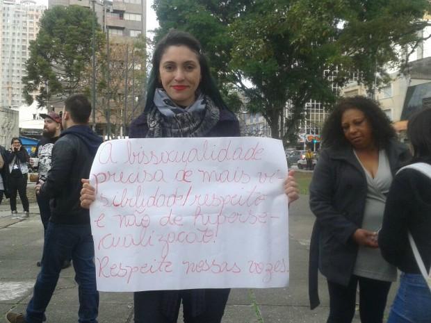Manifestantes pedem o fim do preconceito e da homofobia (Foto: Adriana Justi/G1)