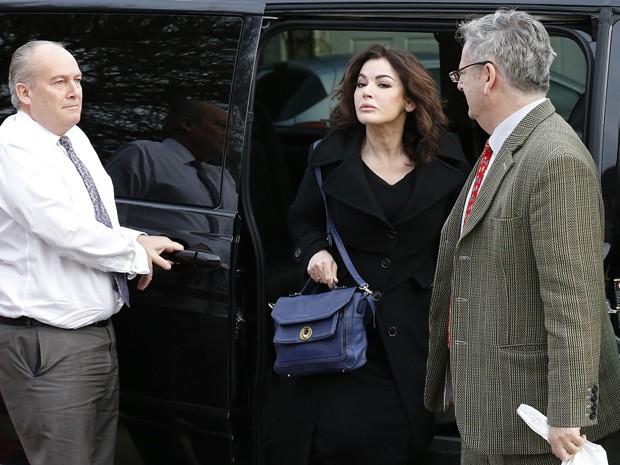 Nigella Lawson chega para o segundo dia de julgamento, nesta quinta-feira (5), de suas ex-assistentes na Corte de Isleworth Crown, em Londres (Foto: REUTERS/Olivia Harris)