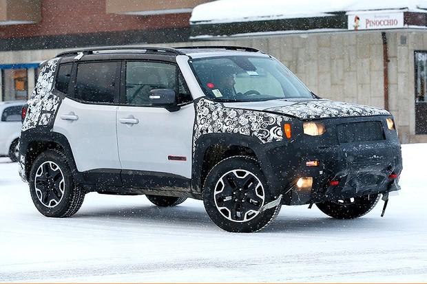 Jeep Renegade reestilizado flagrado em testes nos EUA (Foto: Automedia)
