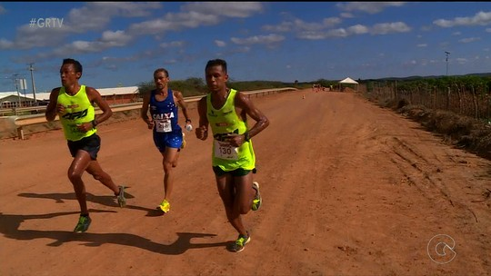 Marily dos Santos vence a primeira meia-maratona da Fruticultura irrigada