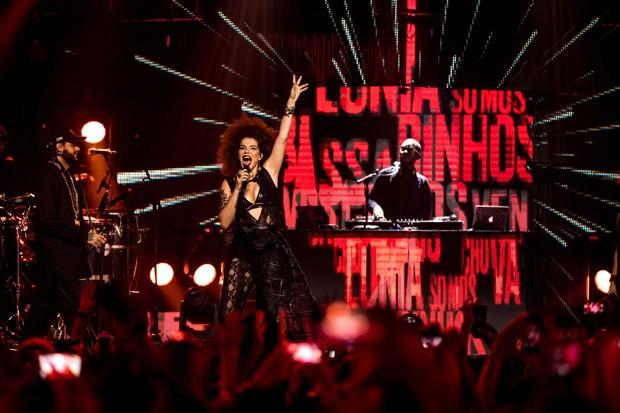 Vanessa da Mata aparece no próximo DVD do Emicida, '10 Anos de Triunfo' (Foto: José de Holanda)