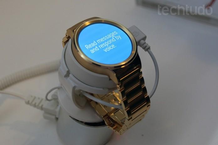 Huawei Watch tem design premium e caixa de couro; confira (Foto: Isadora Díaz/TechTudo)