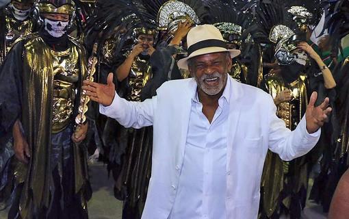 Antonio Pitanga Desfila pela Mangueira