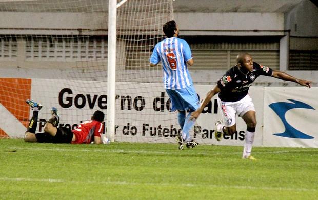 Val Barreto gol Remo Paysandu (Foto: Antonio Cicero / Agência Estado)