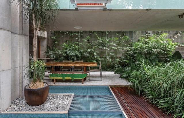 Área externa da casa da jornalista e consultora de moda Gloria Kalil (Foto: Tuca Reines/Arquivo Vogue )