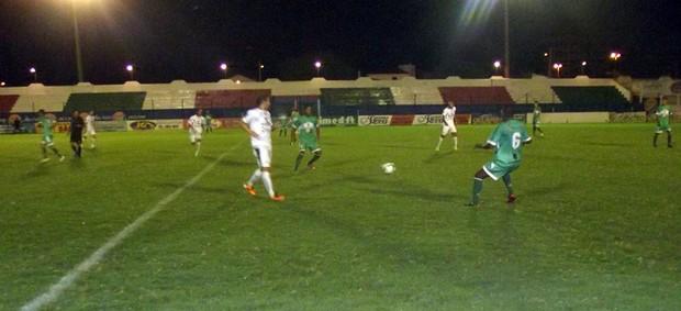 Nacional de Patos 2 x 5 Sousa, no Estádio José Cavalcanti, pela 8ª rodada da 2ª fase do Campeonato Paraibano 2013 (Foto: Damião Lucena / Globoesporte.com/pb)