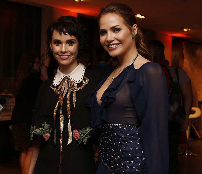 Débora e Letícia posam lindas juntas  (Foto: Ellen Soares/Gshow)