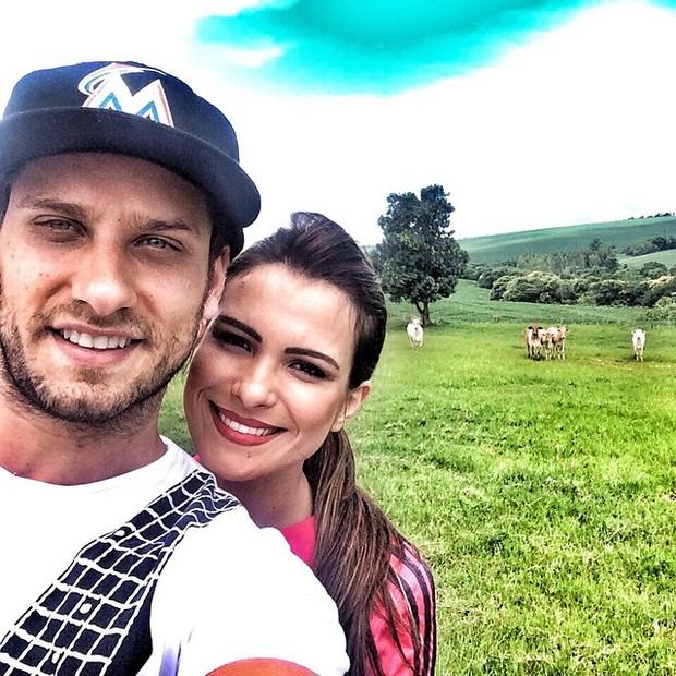 Kamilla Salgado e Eliéser curtem fazenda (Foto: Reprodução/Instagram)
