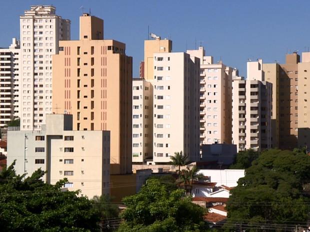 Prédio de Campinas, cidade com 1,3 mihão de habitantes (Foto: Reprodução EPTV)
