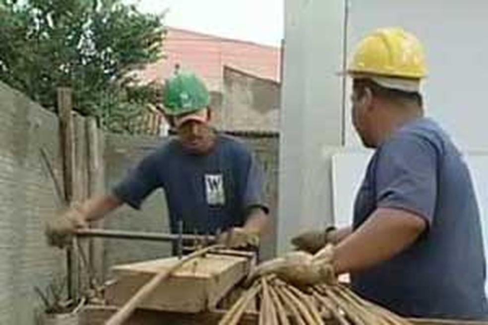 curso de pedreiro e alvenaria  (Foto: Reprodução/Tv Tem)