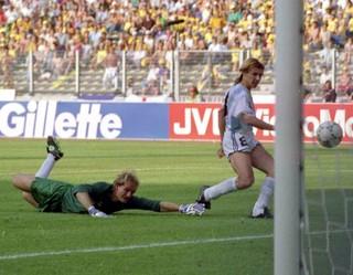 Caniggia gol Argentina Brasil 1990 (Foto: AP)