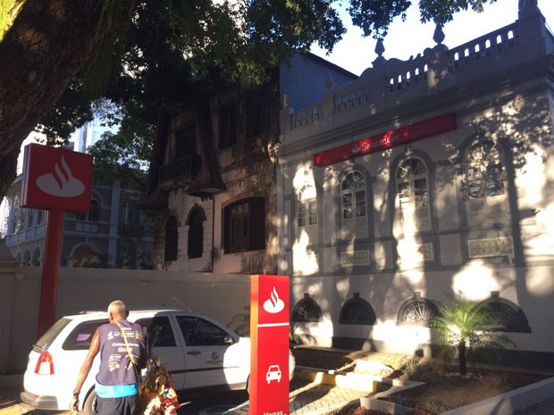 Banco Santander do Corredor da Vitória (Foto: Alex De Paula/G1)