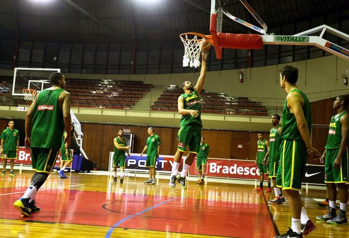 Olivinha basquete Brasil treino (Foto: William Lucas / Inovafoto)
