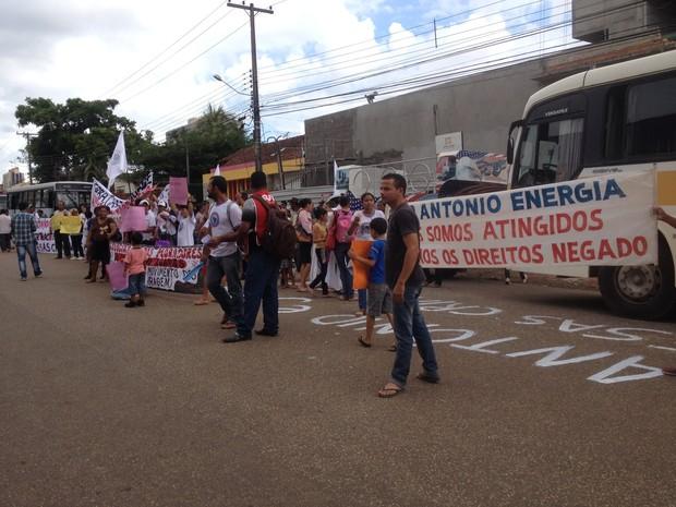 Moradores Atingidos pelas Barragens (MSB) faz manifestação em Porto Velho (Foto: Karla Cabral/G1)