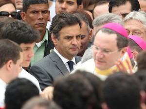 candidato do PSDB à Presidência da República, Aécio Neves, no velório do ex- governador pernambucano Eduardo Campos no Palácio do Campo das Princesas (Foto: Márcio Fernandes/ Estadão Conteúdo)