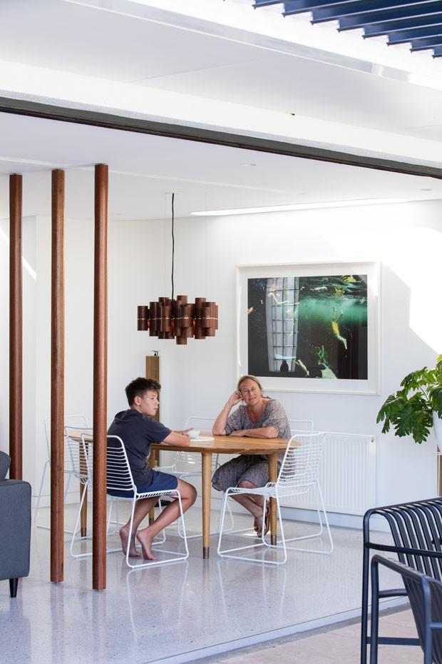 Reforma resgata traços Art déco em uma casa australiana (Foto: Brett Boardman)