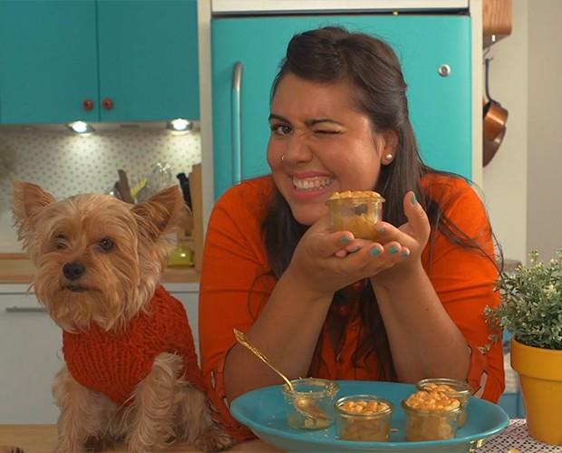 Riza Costa ensina a fazer saboras tortinhas de maçã em Dulce Delight (Foto: Gshow)