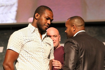 Jon Jones Daniel Cormier encarada (Foto: Evelyn Rodrigues)