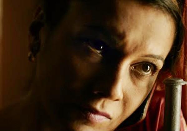 Dira depilou as sobrancelhas com navalha a pedido do diretor de Redemoinho:  (Foto: Reprodução)